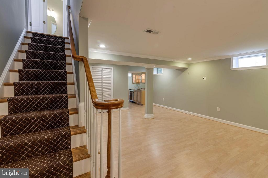Lower Level Staircase - 10802 CRIPPEN VALE CT, RESTON