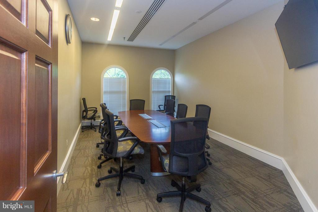 Conference rooms available for resident rental. - 5112 DONOVAN DR #203, ALEXANDRIA