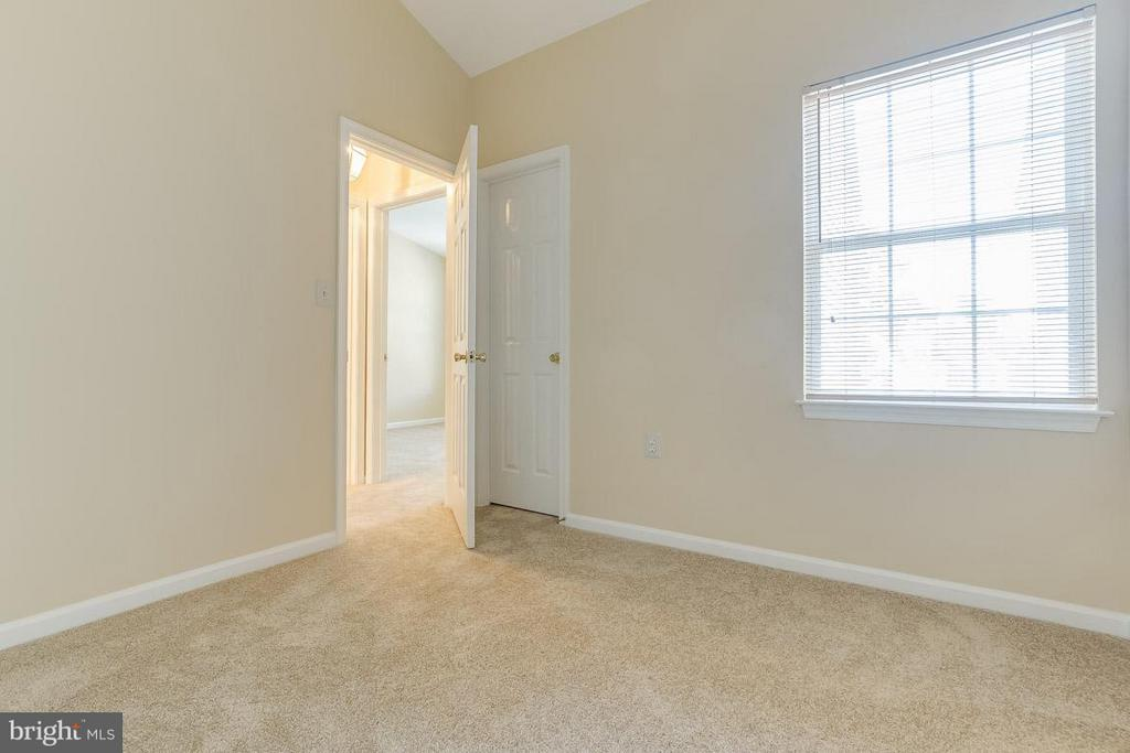 Bedroom 3 - 14702 BEAUMEADOW DR, CENTREVILLE