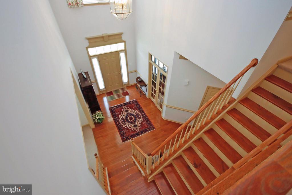 Two-Story Foyer - 5657 CARIBBEAN CT, HAYMARKET