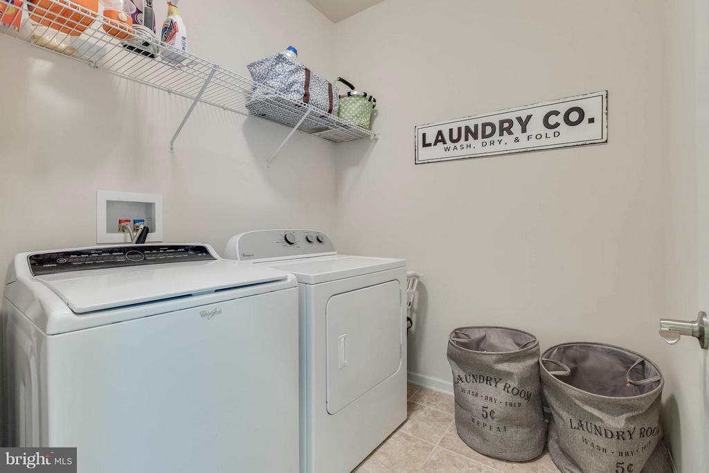Bedroom level laundry, washer/dryer convey - 6927 COUNTRY CLUB TER, NEW MARKET