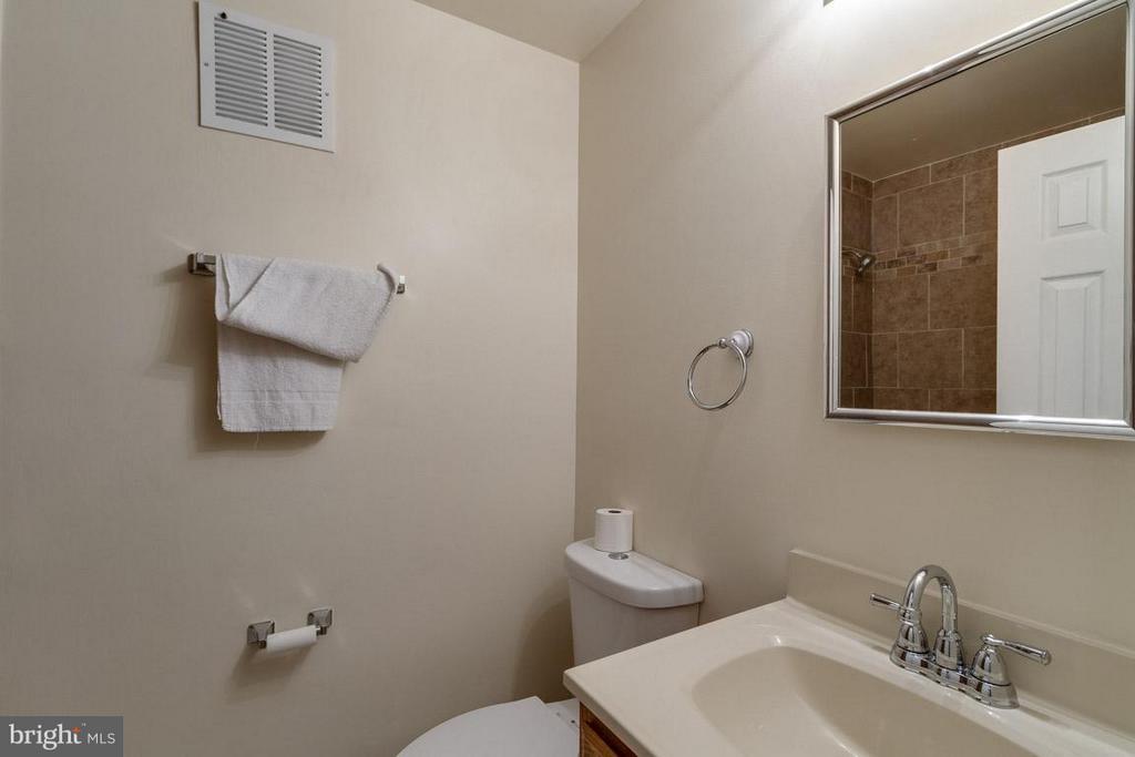 Bath - 14444 COOL OAK LN, CENTREVILLE