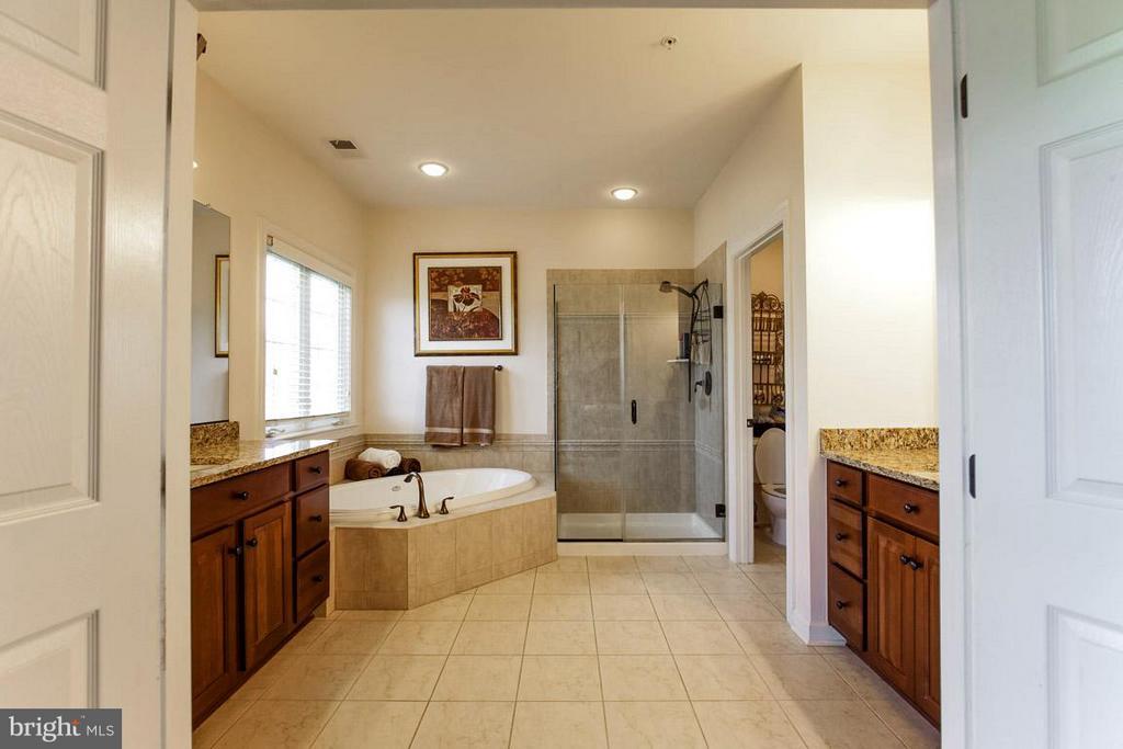 Bath (Master) - 4129 TOTTENHAM ST, FREDERICK
