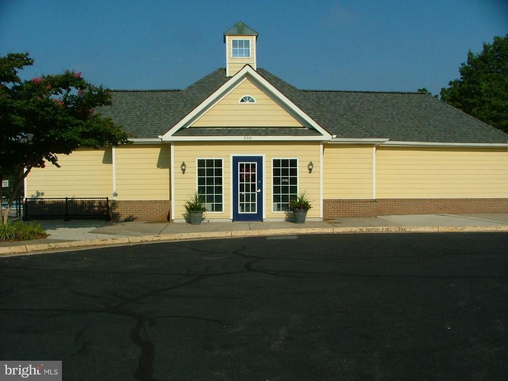 Community Pool House - 843 SMARTTS LN NE, LEESBURG