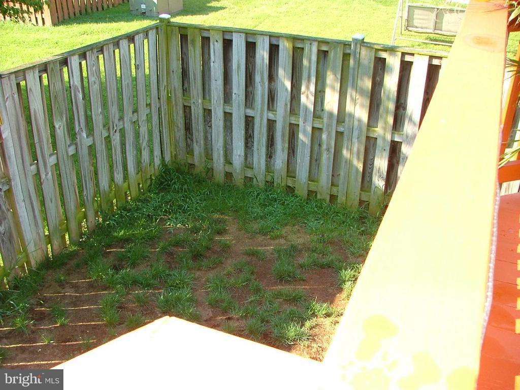 Fenced Backyard - 843 SMARTTS LN NE, LEESBURG