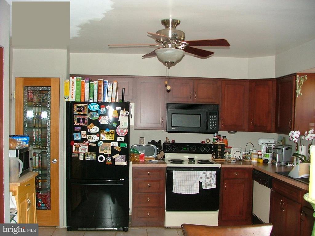 Kitchen - 843 SMARTTS LN NE, LEESBURG