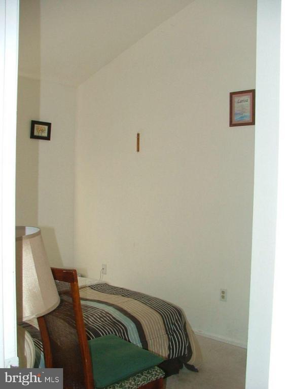 Bedroom 2 - 843 SMARTTS LN NE, LEESBURG
