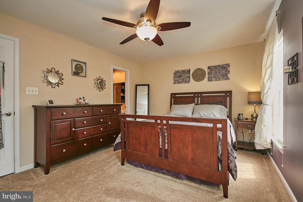 Bedroom (Master) - 5957 EARLSTON CT, ALEXANDRIA
