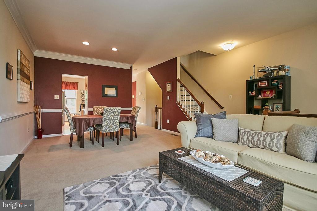Living Room - 5957 EARLSTON CT, ALEXANDRIA