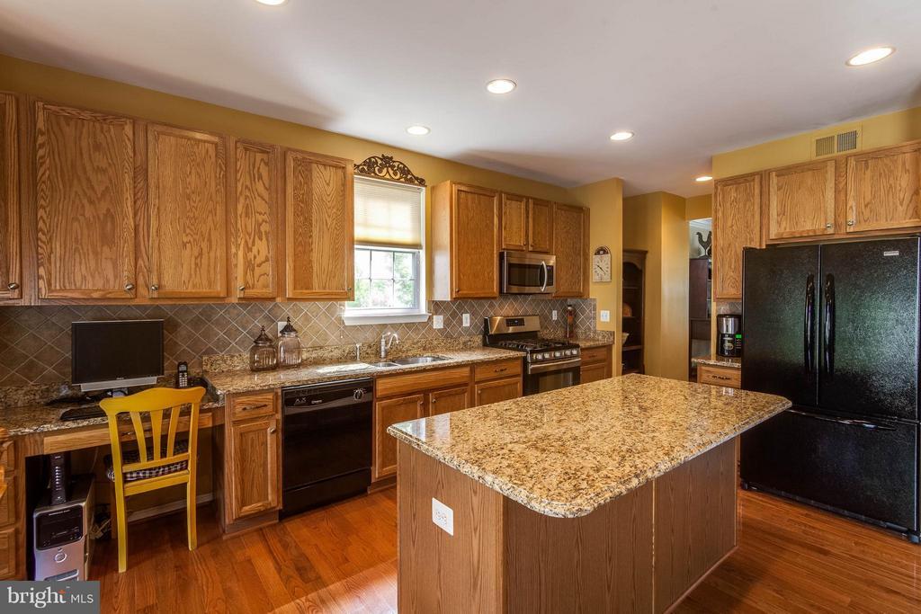 Kitchen - 42994 CHESTERTON ST, ASHBURN