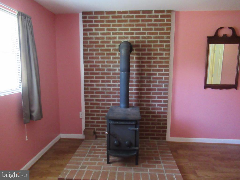 Wood Stove Does NOT Convey - 308 GALAXIE DR, FREDERICKSBURG