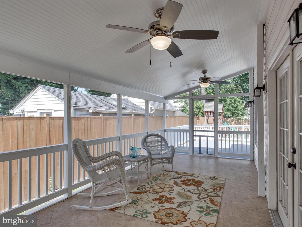 Renovated 3-season screened porch - 3413 17TH ST S, ARLINGTON