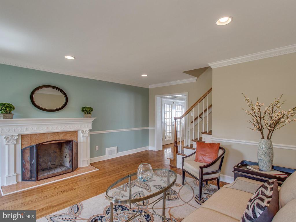 Beautiful living area - 3413 17TH ST S, ARLINGTON