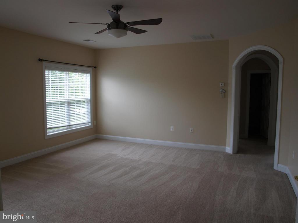 Bedroom (Master) - 206 LAWSON RD SE, LEESBURG