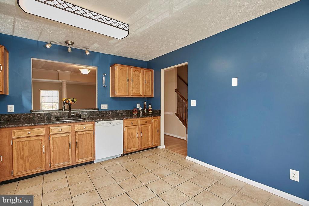 Kitchen - 108 BENTLEY CT, STAFFORD