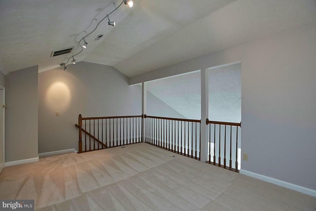 Loft - 108 BENTLEY CT, STAFFORD