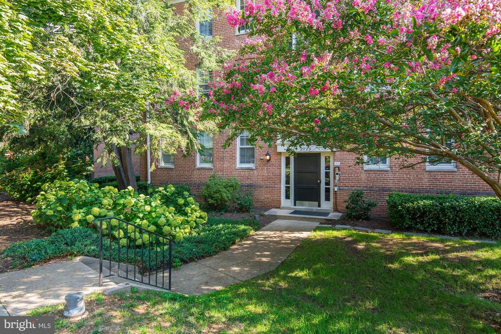 Ordway Garden Condominiums. Built in 1944. - 2729 ORDWAY ST NW #5, WASHINGTON