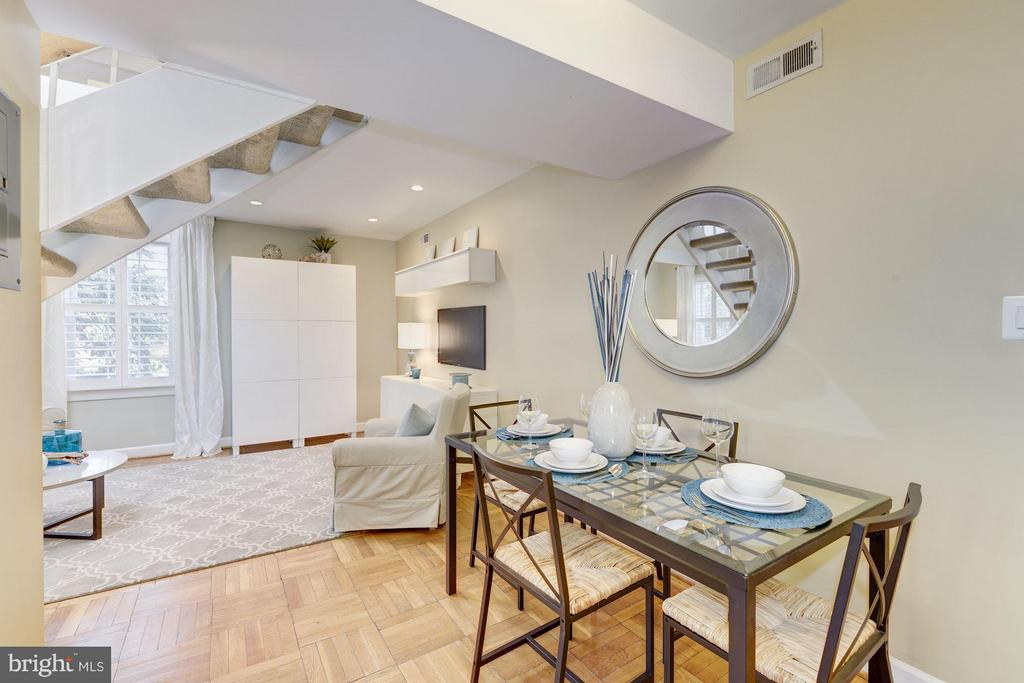 Spacious L Shaped Living Space - 2729 ORDWAY ST NW #5, WASHINGTON