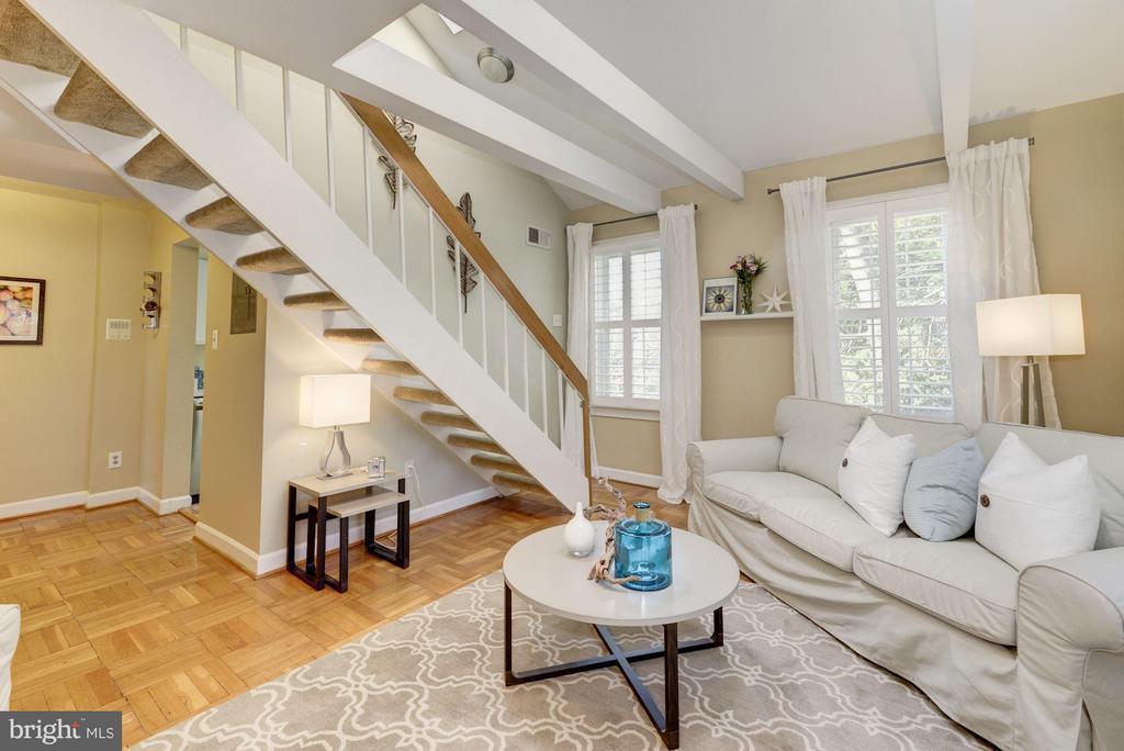 Steps to Loft & Doorway to Kitchen - 2729 ORDWAY ST NW #5, WASHINGTON