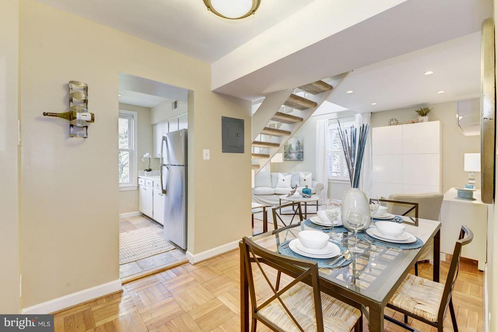Top Floor One Bed + Large Loft & High Ceilings - 2729 ORDWAY ST NW #5, WASHINGTON