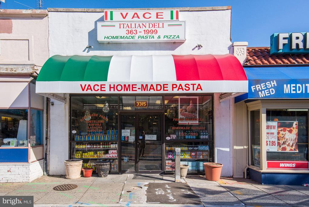 Got to try Vace's pizza, sandwiches & lasagna - 2729 ORDWAY ST NW #5, WASHINGTON