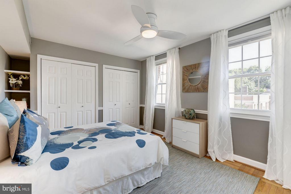 Large Bedroom fit for a King or Queen... Mattress - 2729 ORDWAY ST NW #5, WASHINGTON