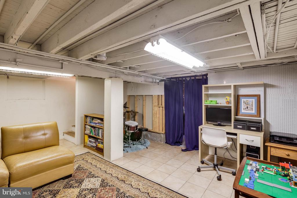 Potential to finish further - 328 HUME AVE, ALEXANDRIA