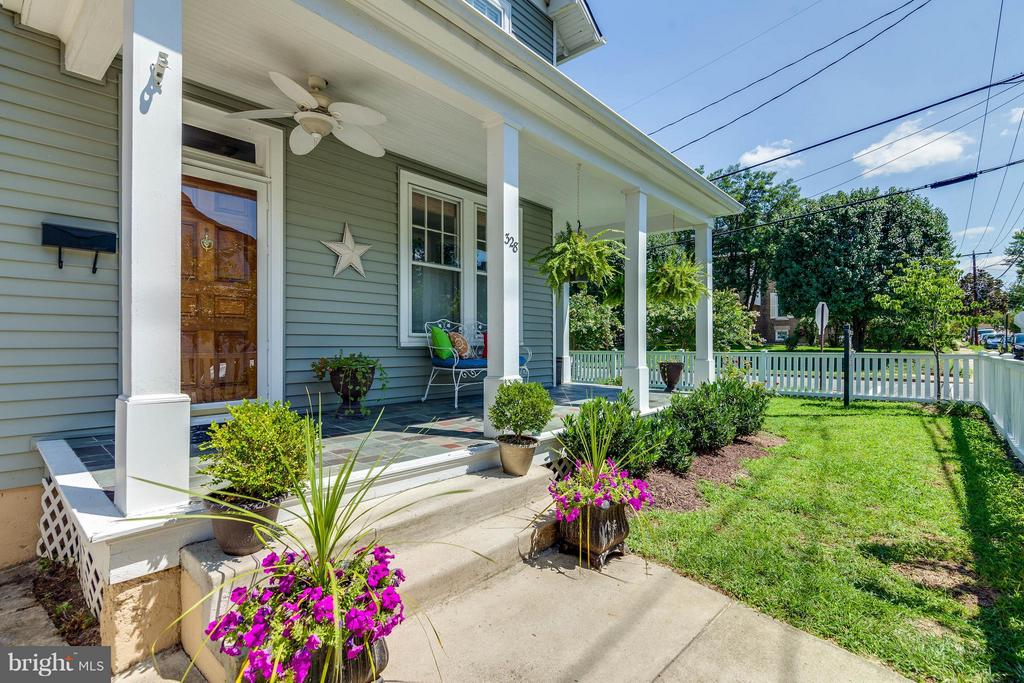 Large slate front porch - 328 HUME AVE, ALEXANDRIA