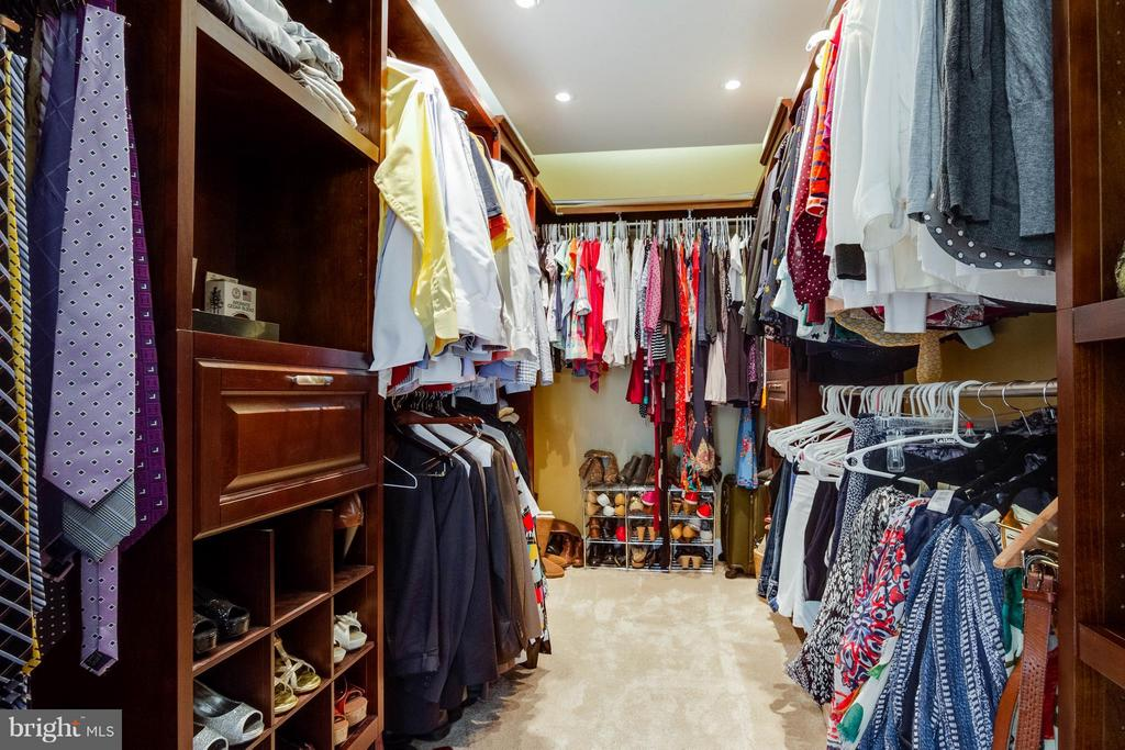 Master Bedroom Walk-in Closet - 15466 PAPILLON PL, WOODBRIDGE