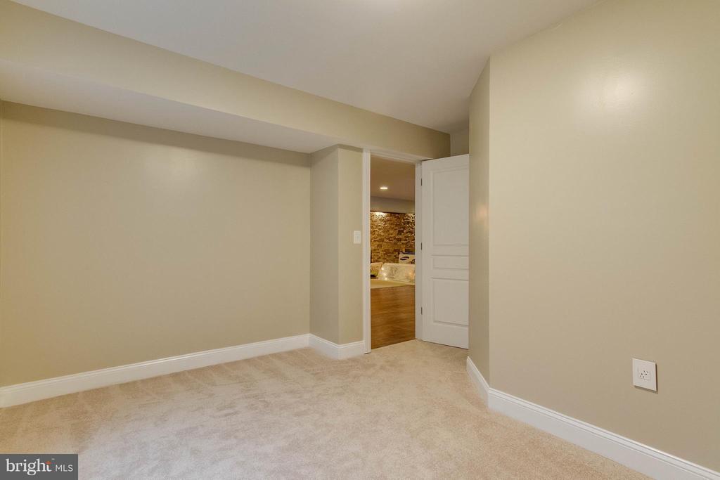 Bedroom 4 with Walk-In Closet - 15466 PAPILLON PL, WOODBRIDGE