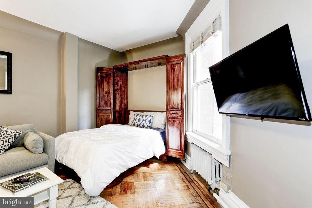 Murphy Bed - 2039 NEW HAMPSHIRE AVE NW #209, WASHINGTON