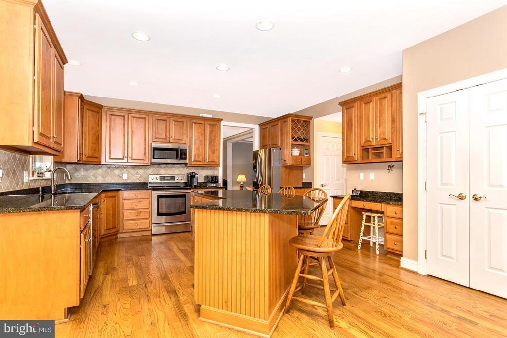 Kitchen - 3450 BASFORD RD, FREDERICK