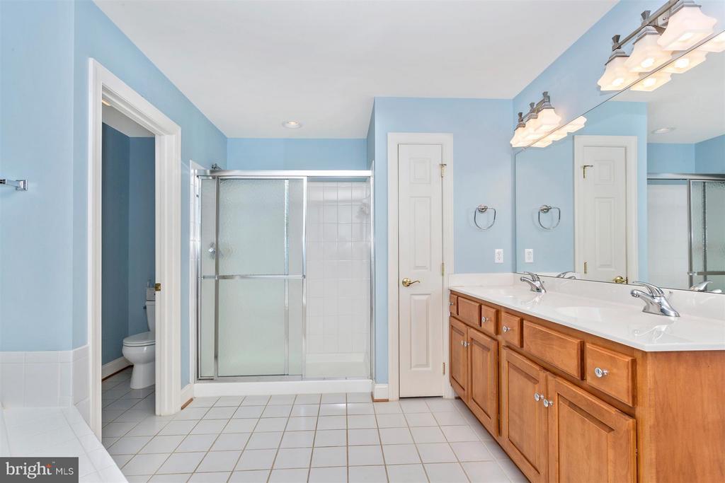 Bath (Master) - 3450 BASFORD RD, FREDERICK
