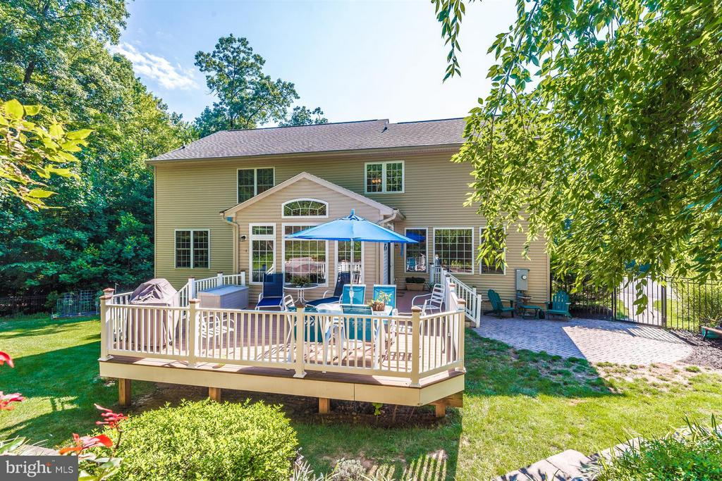 Trex deck and patio - 3450 BASFORD RD, FREDERICK