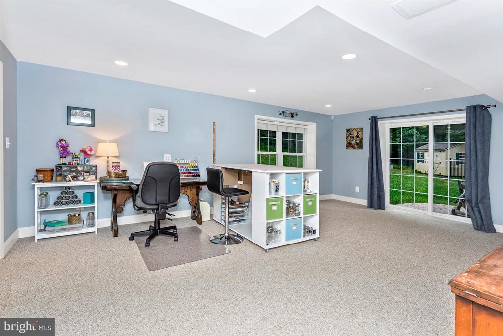 Walk out in basement - 3450 BASFORD RD, FREDERICK