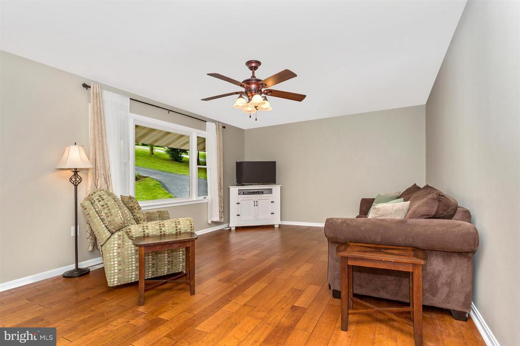Living Room - 14112 CLEARWOOD CT, MOUNT AIRY