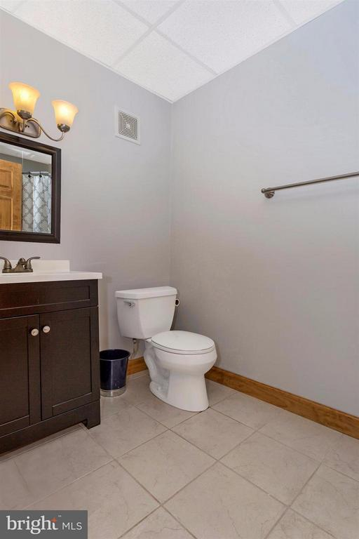 Basement Full Bathroom with shower - 14112 CLEARWOOD CT, MOUNT AIRY