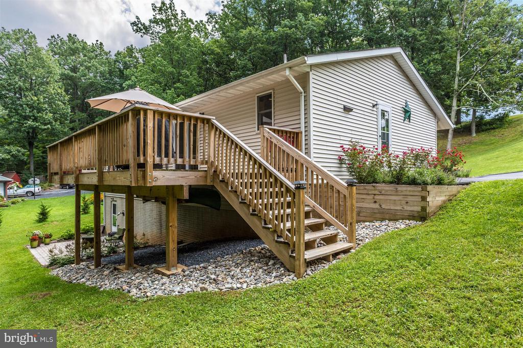 Deck - 14112 CLEARWOOD CT, MOUNT AIRY
