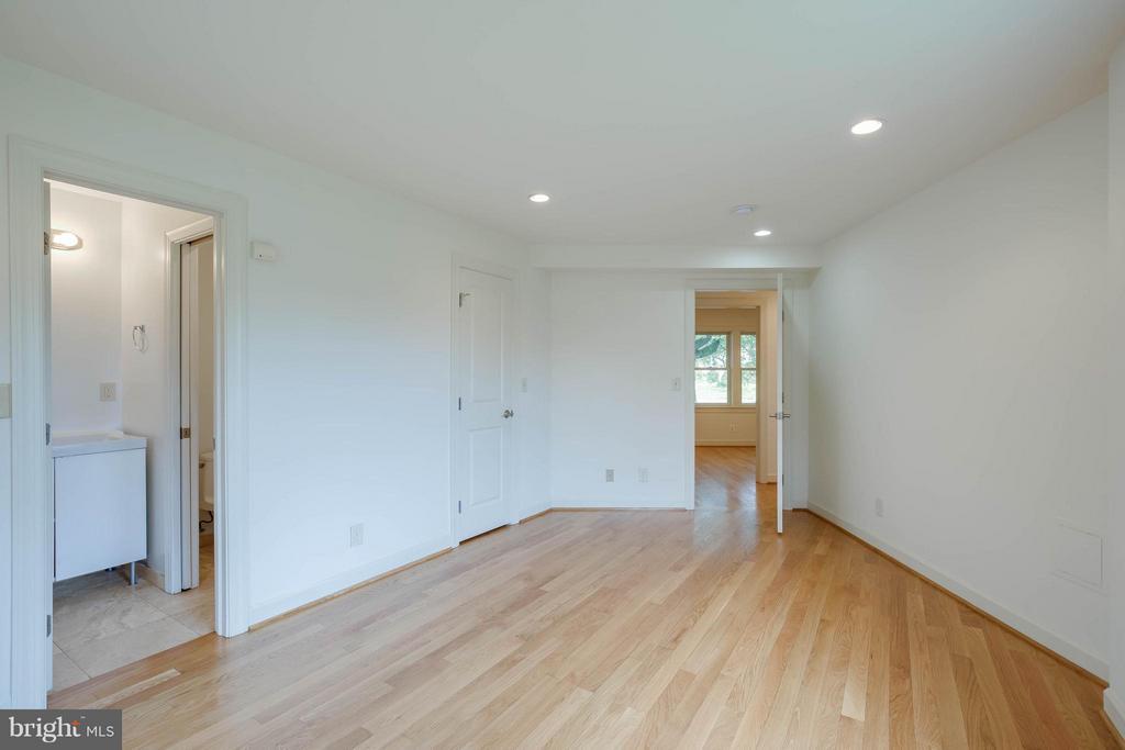 Master Bedroom - 4014 LASSEN CT, ALEXANDRIA