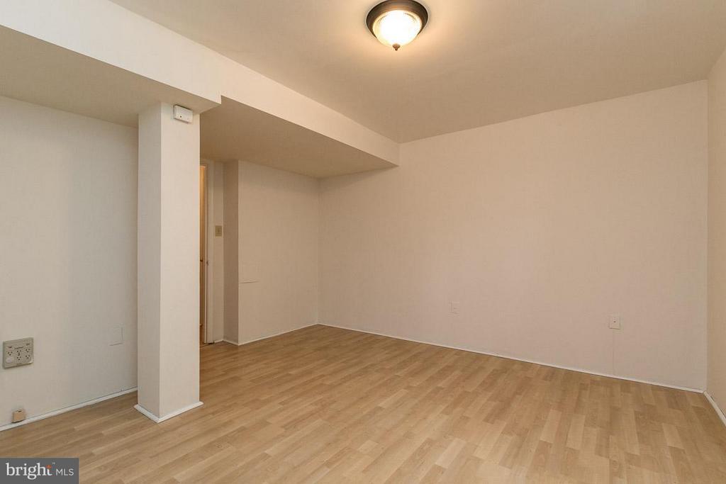 Rec Room In Basement - 17299 SLIGO LOOP, DUMFRIES