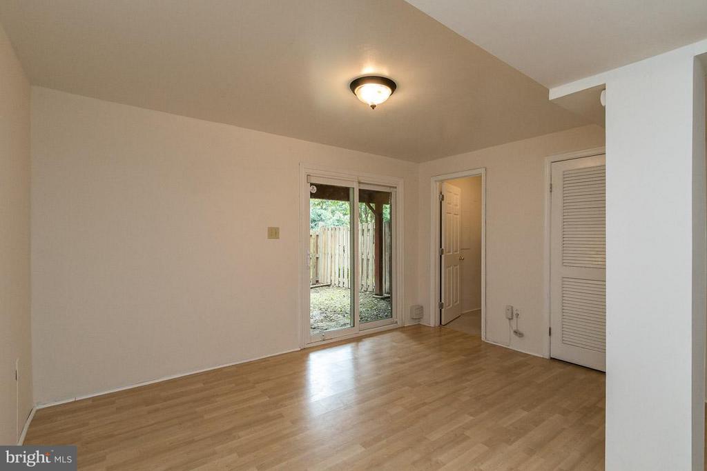 Rec Room with Access to Fenced Rear Yard - 17299 SLIGO LOOP, DUMFRIES