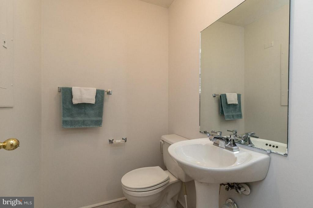 Bath 4 (1/2 Bath in Lower Level) - 17299 SLIGO LOOP, DUMFRIES