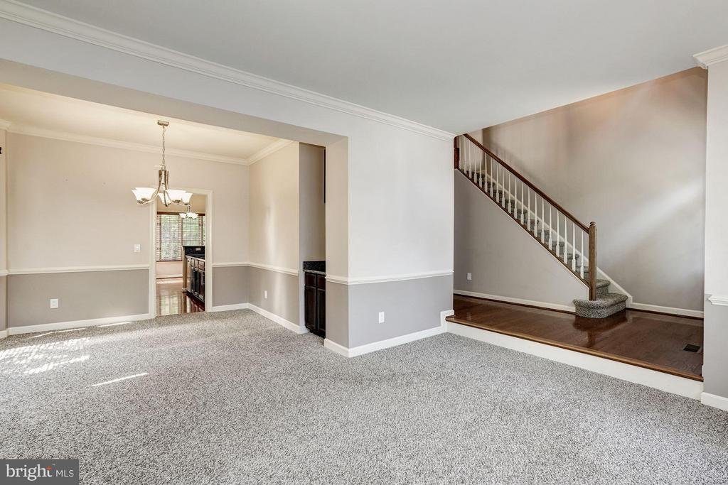 View of Living Room & Dining Room - 20519 PEMBRIDGE CT, STERLING
