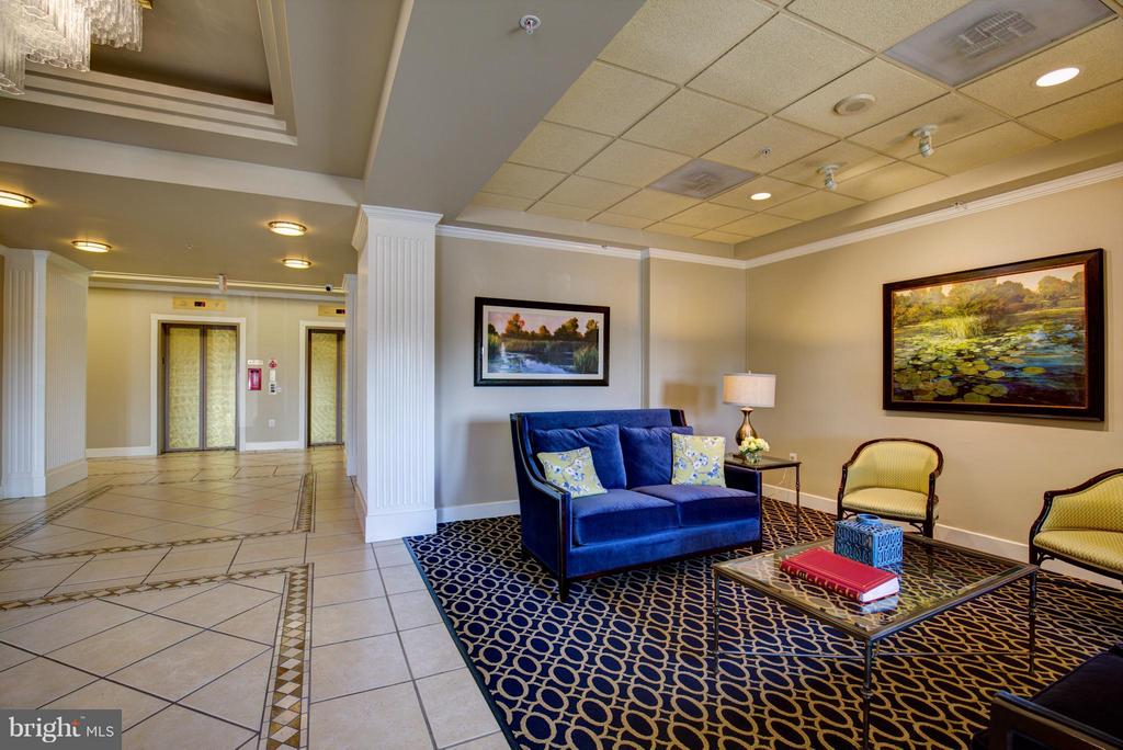 Lobby of Building - 19365 CYPRESS RIDGE TER #821, LEESBURG