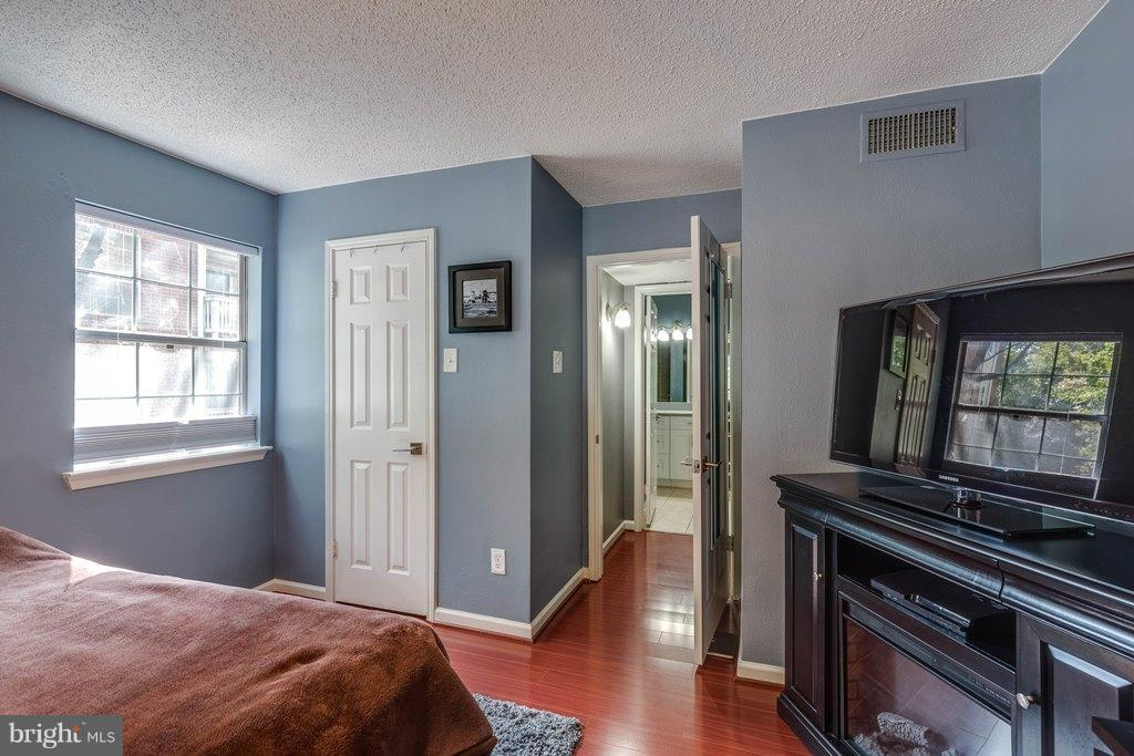 Bedroom (Master) - 1538 LINCOLN WAY #103, MCLEAN