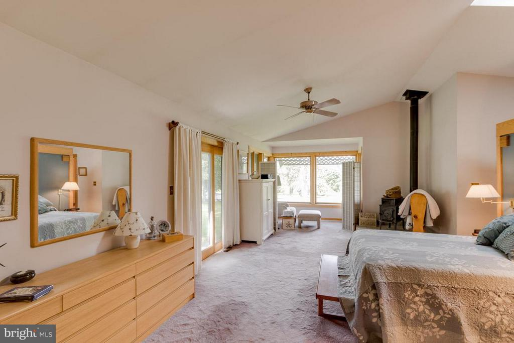 Master Suite w/Wood Stove - 4398 STEPNEY DR, GAINESVILLE