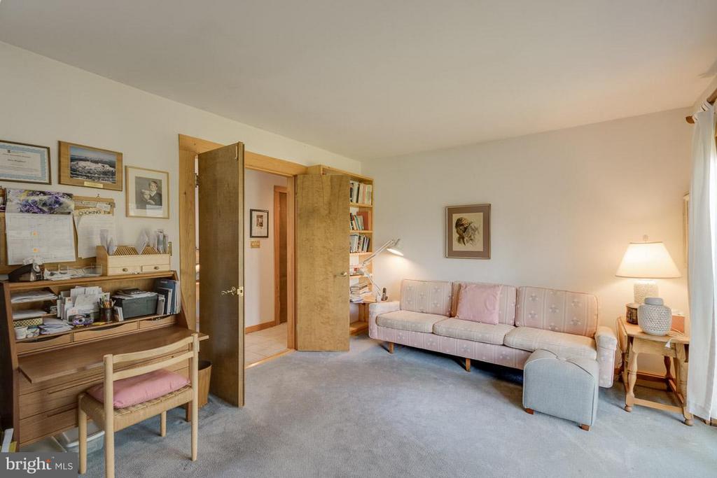 Main Level Den/Bedroom 3 - 4398 STEPNEY DR, GAINESVILLE