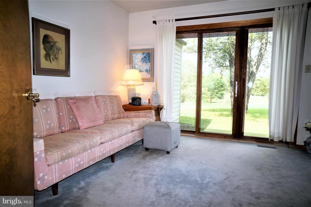Main Level Den, Easy to Convert to 3rd Bedroom - 4398 STEPNEY DR, GAINESVILLE