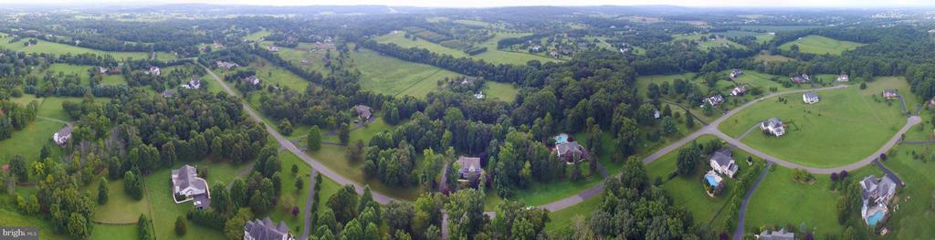 Panoramic view of the neighborhood - 39637 GOLDEN SPRINGS CT, HAMILTON