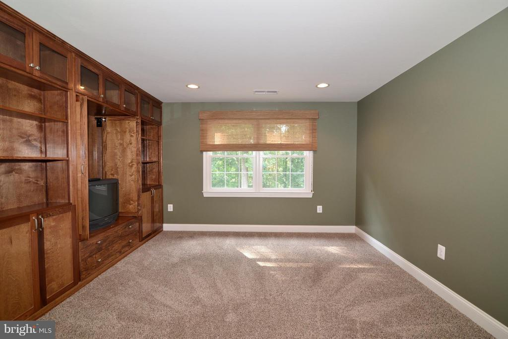 Second Bedroom/Office with built-ins - 39637 GOLDEN SPRINGS CT, HAMILTON